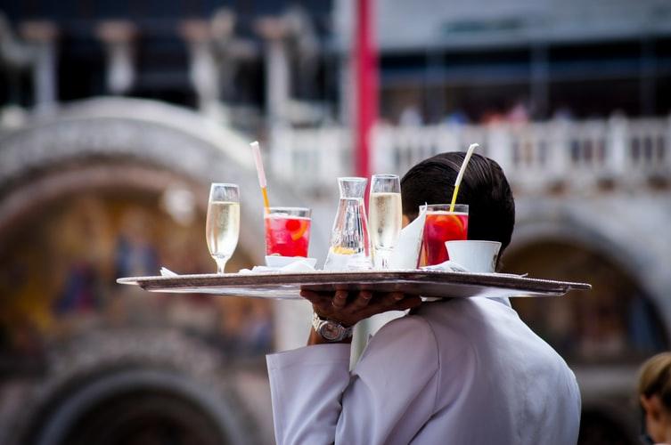 5 Dicas de como aumentar a venda de drinks em um restaurante