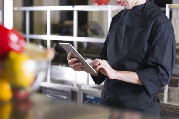 Compras em Grupo Ajudam Donos de Restaurante a Superar Momentos de Crise