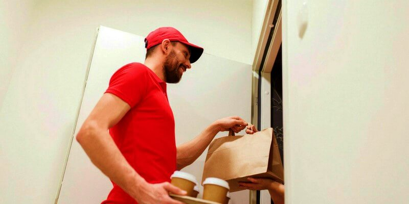Guia definitivo: 10 dicas para aumentar as vendas do restaurante utilizando o delivery
