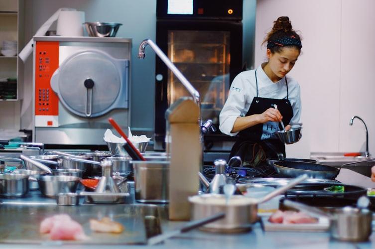 dica-de-como-contratar-sua-equipe-de-cozinha
