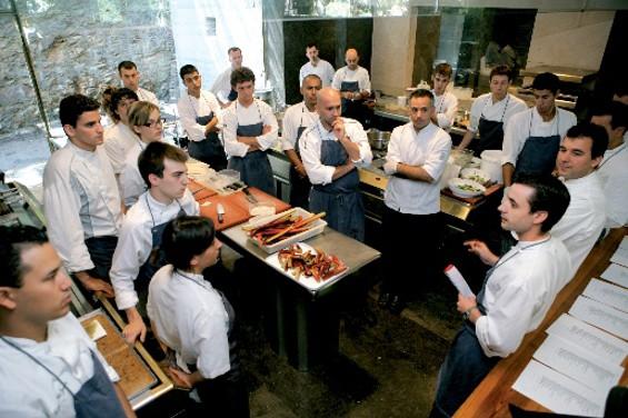 O que Faz um Gerente de Restaurante? Saiba qual é o seu Verdadeiro Papel!