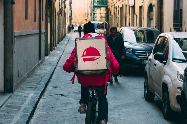 Como montar um delivery de sucesso: dicas essenciais para seguir